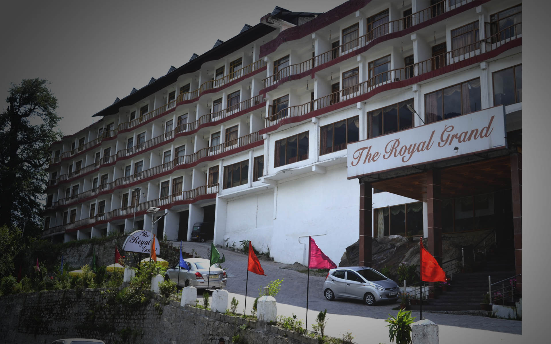 The_royal_grand_manali.jpg